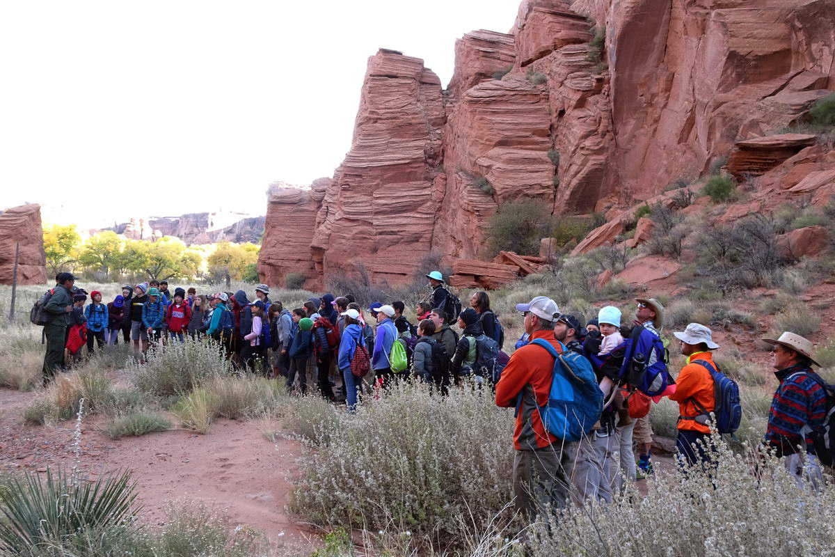 8th grade students at Canyon de Chelly